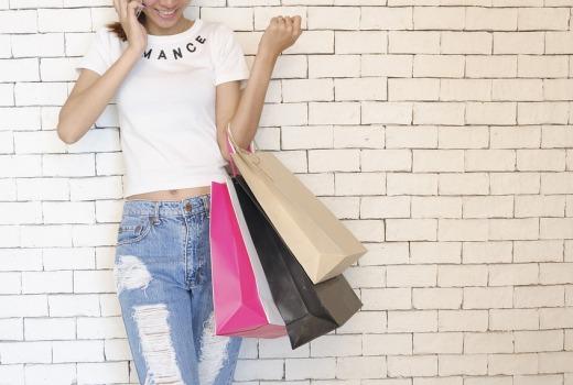Si vous exploitez une entreprise où vous vendez des marchandises, vous devriez préférer utiliser le sac personnalisé écologique